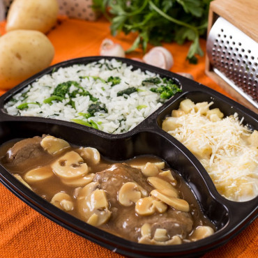 PP 12 - Escalopes de Filé com Batatas Gratinadas e Arroz com Brócolis - 420g